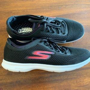 Skecher Go Step sneakers